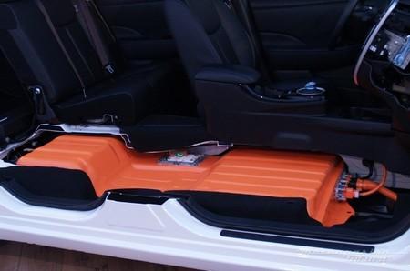 Nissan LEAF 2013 seccionado 04