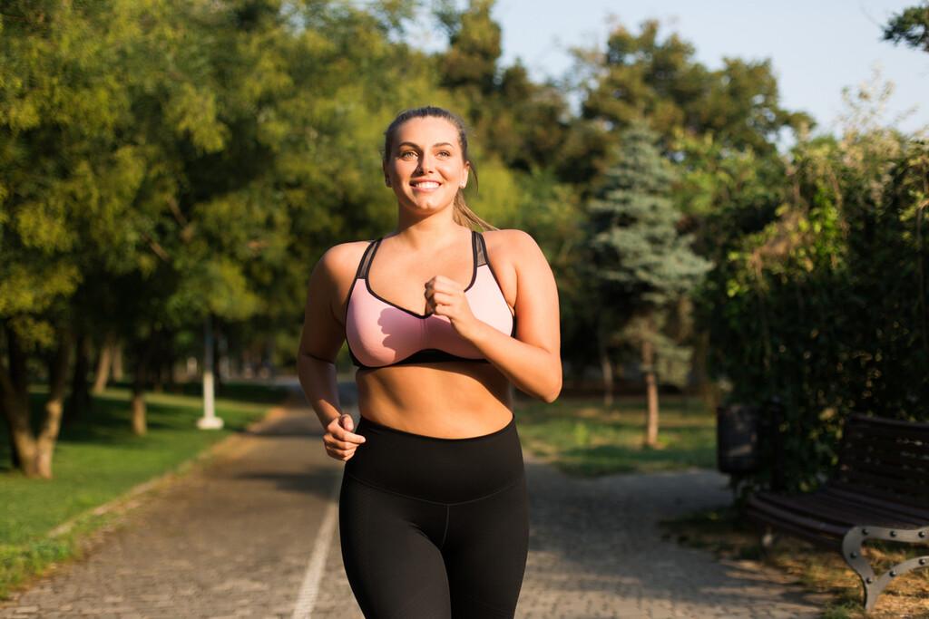 Ciclo menstrual y ejercicio aeróbico: así puedes utilizar las diferentes fases del ciclo para programar tu entrenamiento de resistencia
