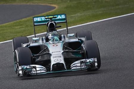 Nico Rosberg líder en los terceros libres de Suzuka. Hamilton sufre un accidente