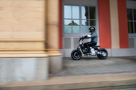 BMW Concept CE02