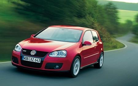Volkswagen Golf V GTI rojo