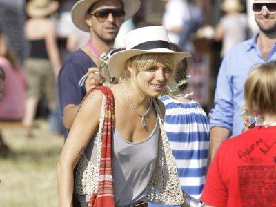 Los mejores looks de Glastonbury de los últimos años: el barro no impide presumir de estilo