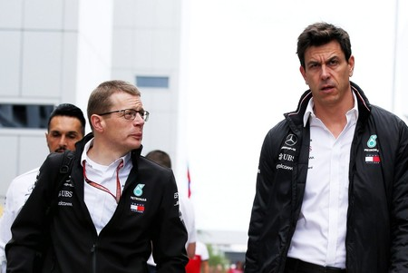 Cowell Toto Wolff Mercedes F1