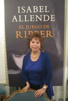 """Isabel Allende: """"El juego de Ripper está escrita con ironía. Hay mucha burla al género""""."""