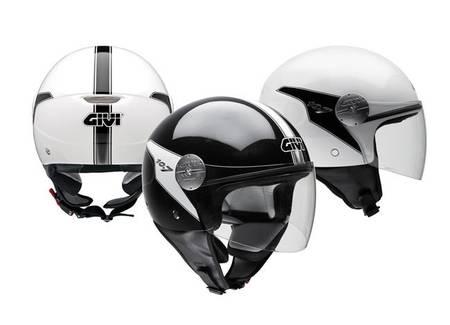 Casco GIVI 10.7 especial para scooters de rueda alta
