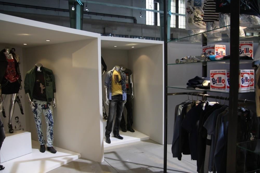Foto de Bread & Butter Invierno 2010: Desigual, Pepe Jeans, BOSS Orange, moda denim (25/29)
