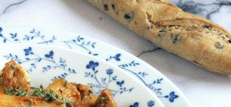 Rigatoni con solomillo de cerdo estilo thai. Receta elegante de pasta