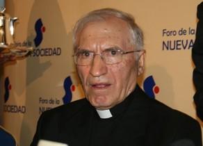 El presidente de la Conferencia Episcopal, Rouco Varela, nunca debería besar a nadie