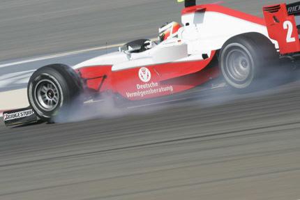 Hulkenberg debuta en la GP2 Asia con una pole