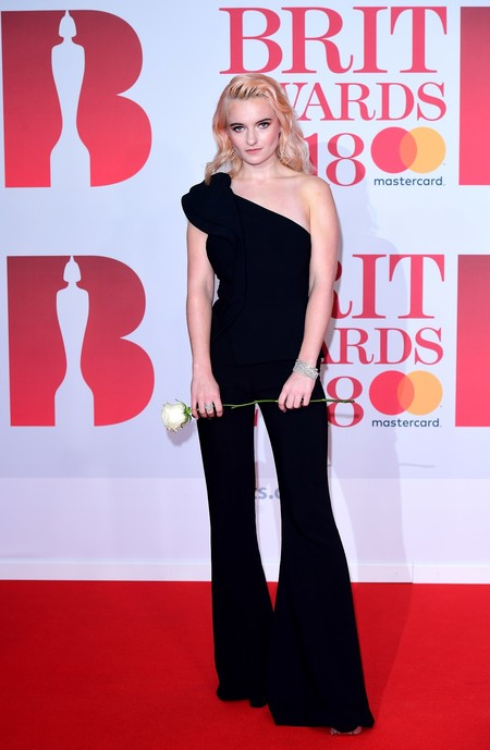alfombra roja brit awards 2018 Grace Chatto