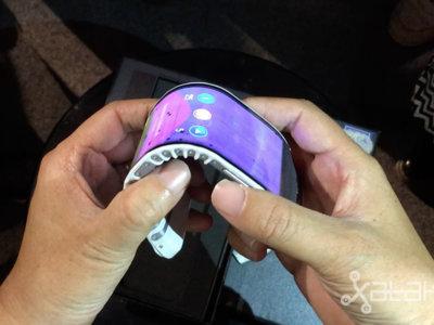 Así es el móvil que se vuelve smartwatch y la impresionante tablet que se dobla de Lenovo