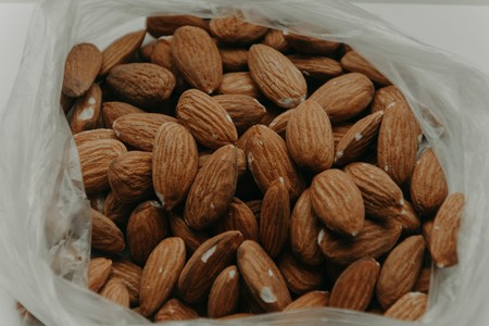 Almonds Close Up Delicious 1013420