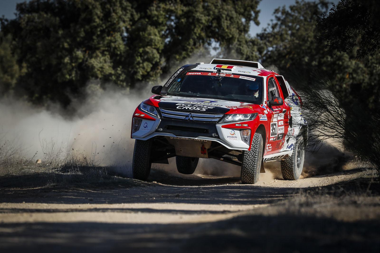 Foto de Mitsubishi Eclipse Cross Proto Dakar (18/38)