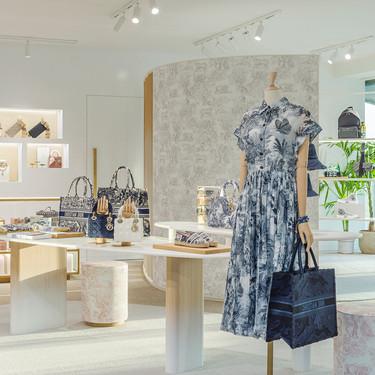 Dior ha abierto en Ibiza un espectacular pop up para este verano donde encontrar las piezas más exclusivas