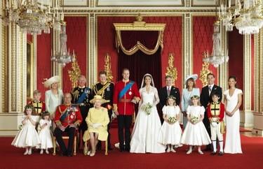 Las fotos oficiales de la boda del príncipe Guillermo y Catherine Middleton y un nuevo look de calle