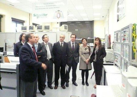 Nuevos postes de recarga en el campus de la EPI en Gijón