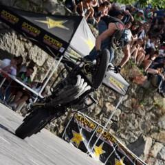 Foto 1 de 18 de la galería exito-del-primer-campeonato-de-freestyle-stunt-riding-encamp-2011 en Motorpasion Moto