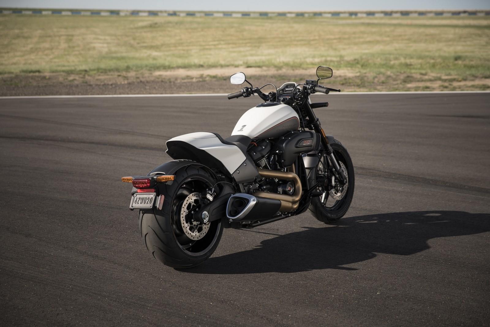 Foto de Harley-Davidson FXDR 114 2019 (4/9)