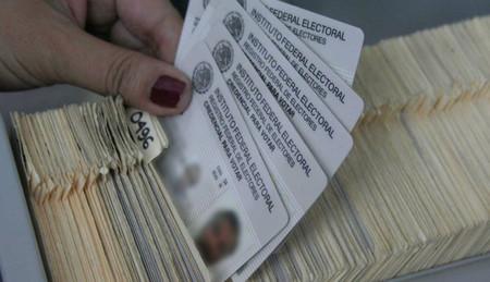 Partidos políticos mexicanos tendrán que pagar multas millonarias por filtración de datos del padrón electoral
