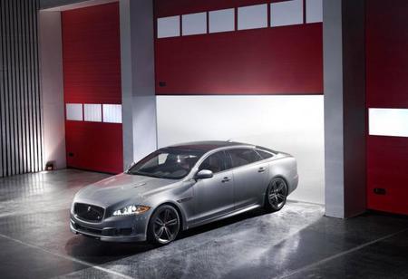 Jaguar XJR, el coche para perder los papeles desde 161.150 euros