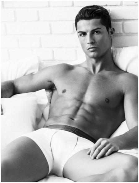 Cristiano Ronaldo Underwear Photo Shoot 2015 Campaign 002 800x1056
