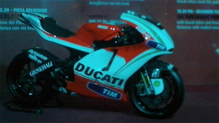 Se filtra una foto de la Ducati Desmosedici GP13