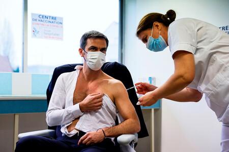 Para sorpresa de nadie, la confianza de los europeos en la vacuna de AstraZeneca se ha desplomado