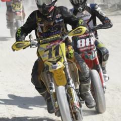 Foto 53 de 63 de la galería albaida-despide-el-campeonato-de-espana-de-supermotard-2011 en Motorpasion Moto