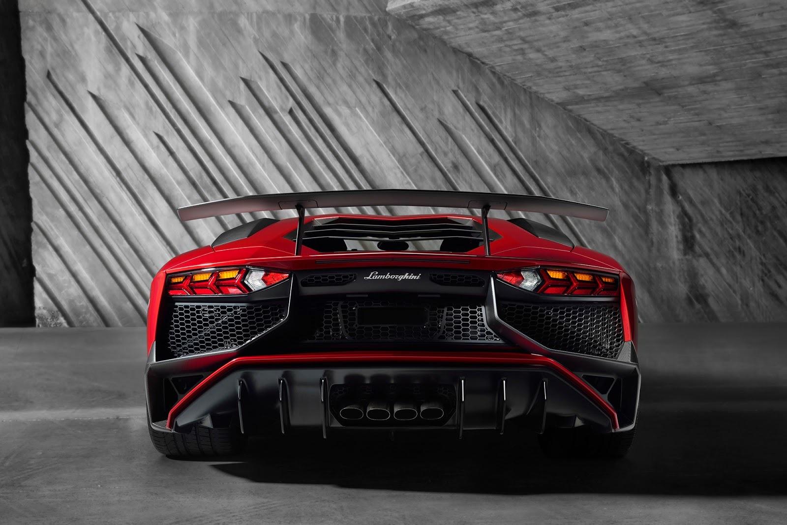 Foto de Lamborghini Aventador SV (17/21)