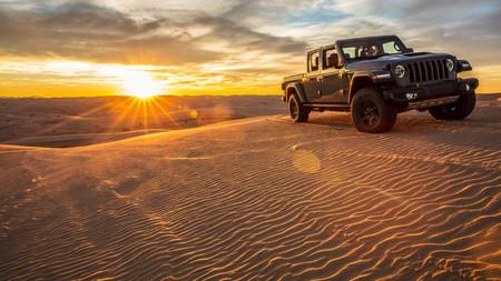 ¡Sorpresa! El Jeep Gladiator Mojave nos pone los dientes aún más largos con una preparación aún más radical