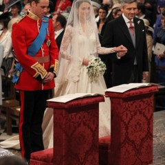 Foto 9 de 12 de la galería todas-las-imagenes-del-principe-guillermo-y-kate-middleton-en-el-altar en Trendencias