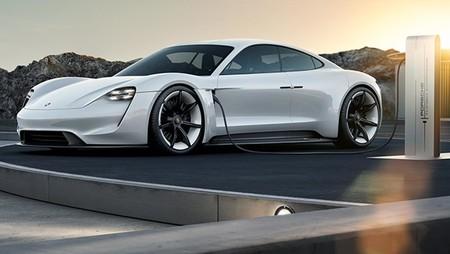 El Mission E será sólo el principio. Porsche podría estar planeando versiones coupé y convertible de su EV