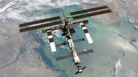 Bill Gates se enfrenta al iPad, Linux en la Estación Espacial Internacional y Adobe Creative Cloud. Constelación VX (CXLI)