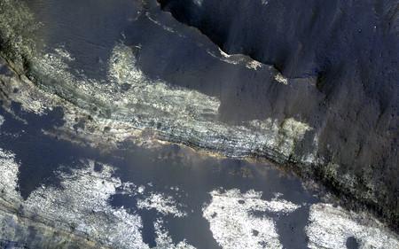Depresion En Medio Del Terby Crater