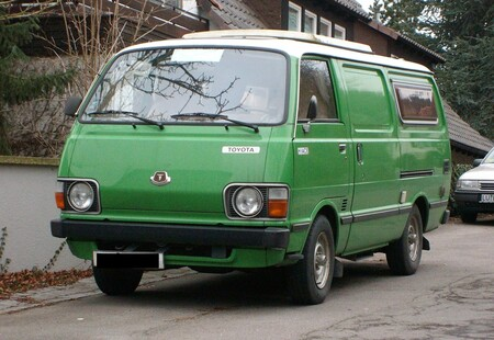 Monovolumen Toyota Hiace Old