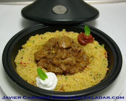 Cordero en tajine con cous-cous y salsa de menta fresca. Receta