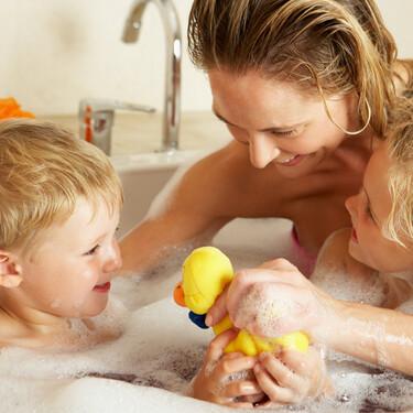 El 63% de los padres estadounidenses afirma no bañar a sus hijos a diario, según una encuesta