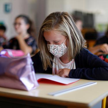 ¿Deben los países abrir más horas los colegios para atender a los niños? A vueltas con la conciliación