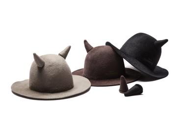 La última locura fashionista es un gorro con cuernos. ¿Triunfará?