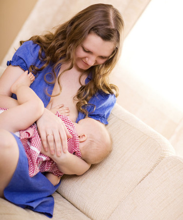 Se pide una ley que proteja la lactancia materna en público