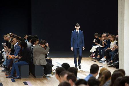En el último desfile de Kris Van Assche para Dior Homme, un ojo veía mientras el otro sentía