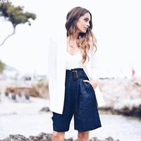 En bermudas a la oficina: 11 pantalones cortos perfectos para tus looks de trabajo