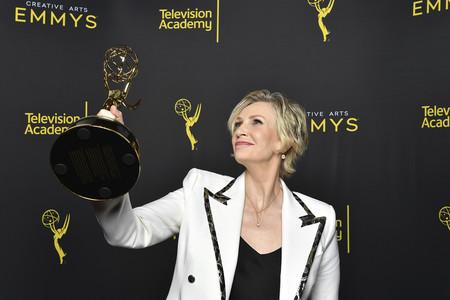 De 'La maravillosa Sra. Maisel' a Netflix: la ganadora del Emmy Jane Lynch protagonizará junto a Cyndi Lauper una nueva comedia