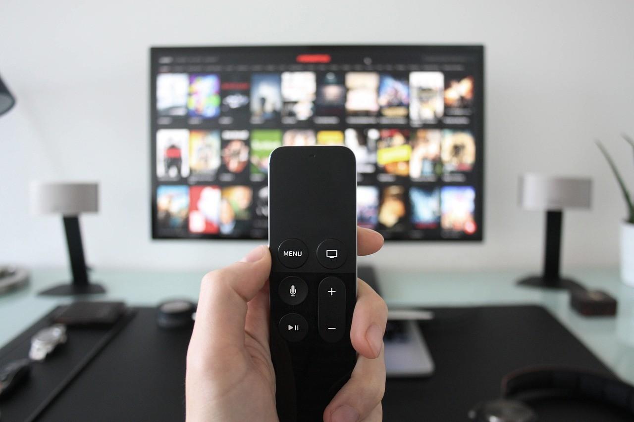 Dos estudios acusan a docenas de modelos de smart TVs de filtrar datos privados a compañías como Netflix o Facebook