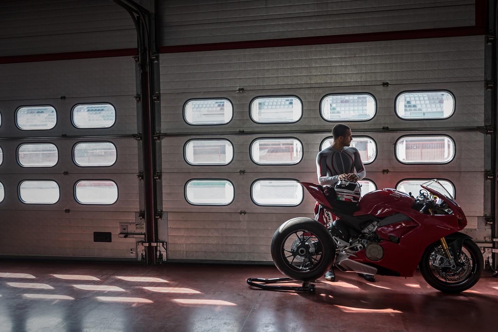 Foto de Ducati Panigale V4 2018 (43/52)