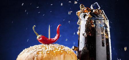 Cómo se fotografían las hamburguesas que ves en los anuncios (y que no te podrías comer)