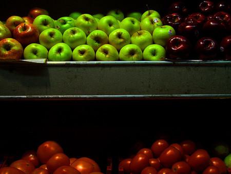 Innovador método para purificar agua con cáscaras de frutas y verduras