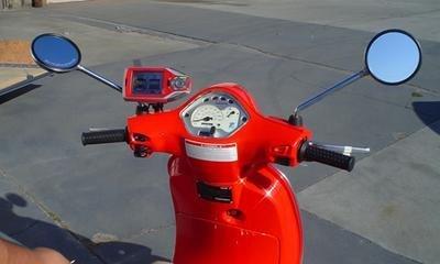 Navegador GPS en un Vespa