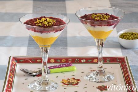 Copas de queso fresco, mango y frutos rojos: receta de postre saludable y festivo