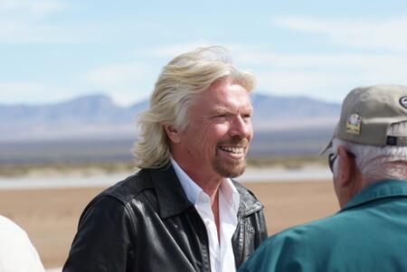 Richard Branson, dueño de Virgin Galactic, en unas de las pruebas de vuelo